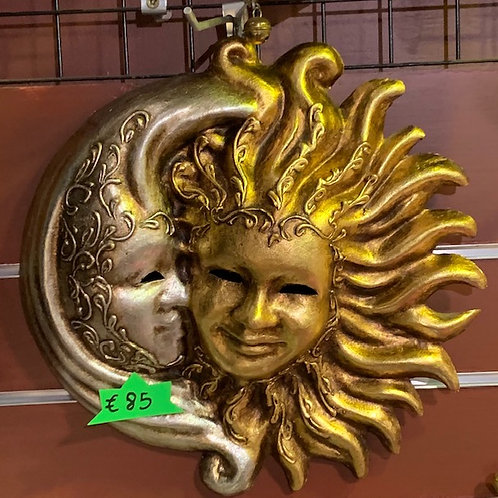 Sun / Moon Lovers wall mount
