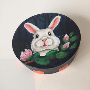 Boîte lapin ronde