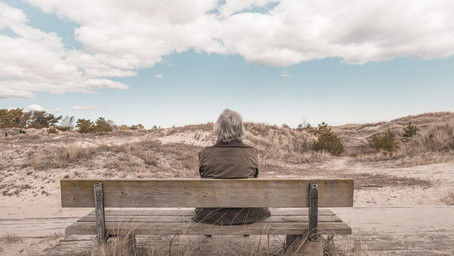 Приглашаем на вебинар на тему переезда в дом престарелых