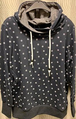 Sweater mit blau-weißen Punkten