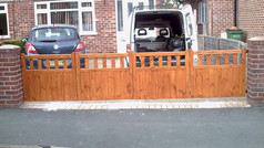 4x Hinged Cottage Style Gate