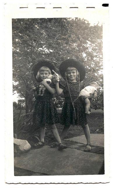 twins.cowgirls.