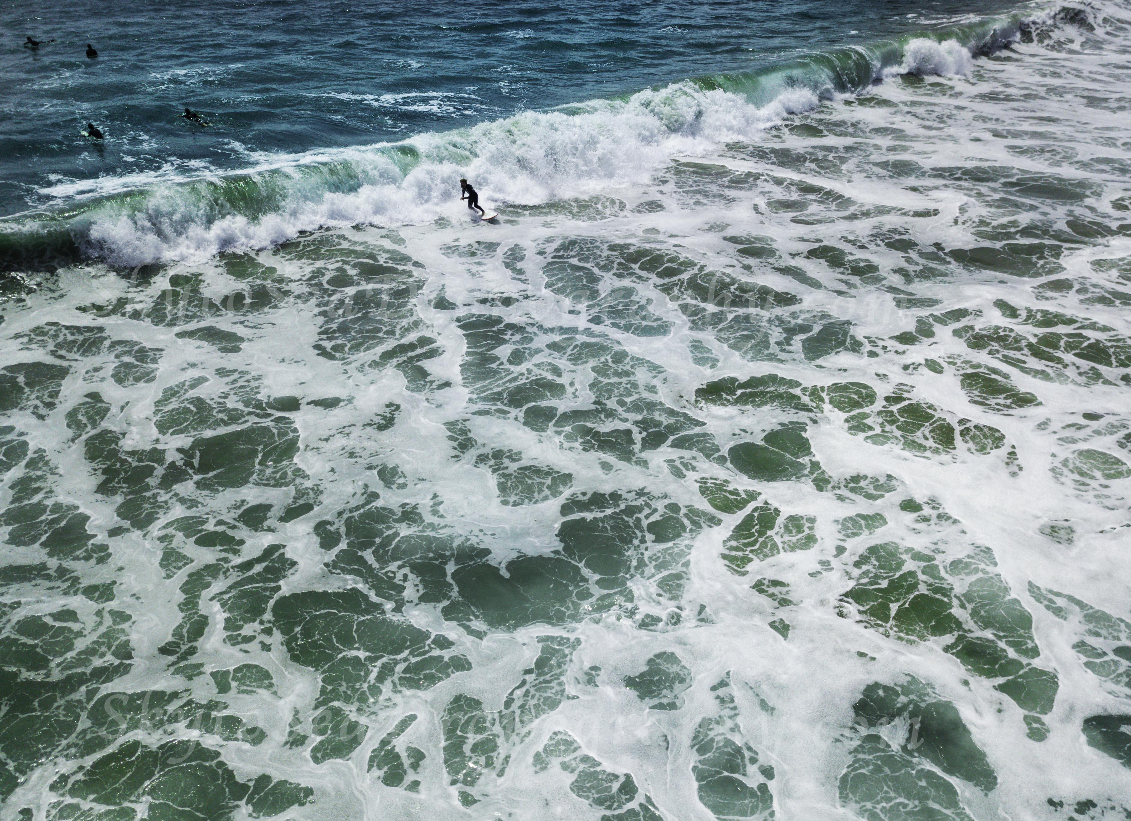 Surfing Whitewash WM