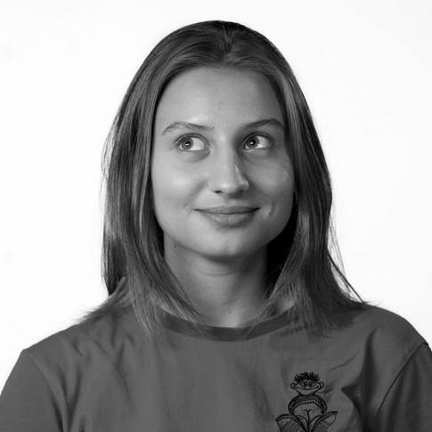 Полина Титова