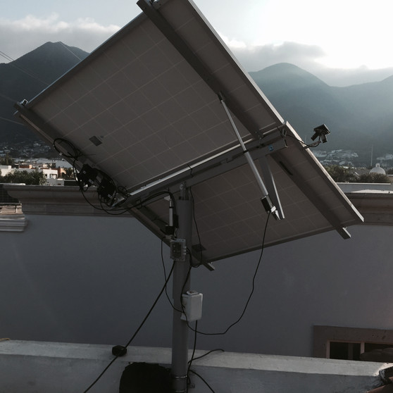 Instalación de sistema de seguidor solar para 2 paneles solares
