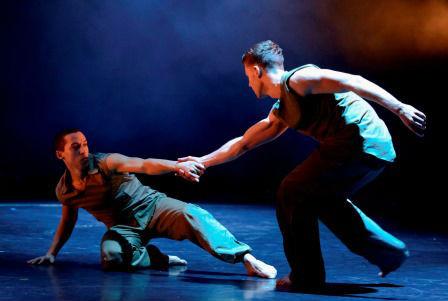 Fallen.-BalletBoyz-the-Talent.-Leon-Poul