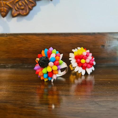 טבעת פרח בצבעי הקשת