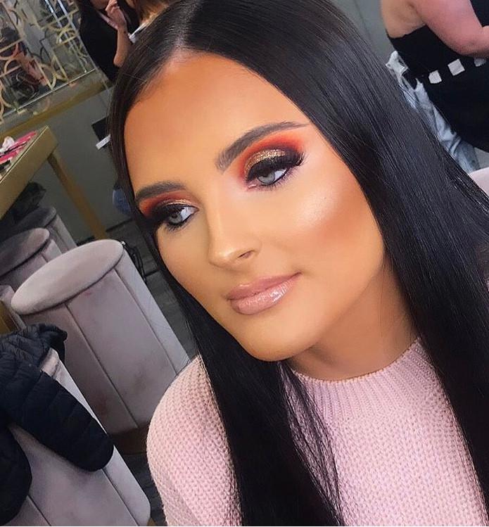 Makeup Cut Crease