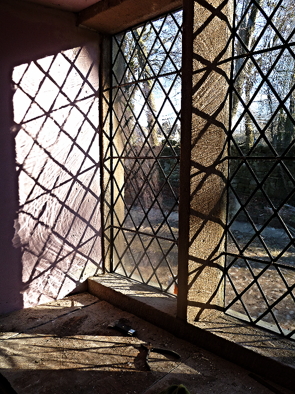 leaded window.JPG