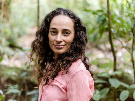 Karina Miotto em entrevista sobre Ativismo Delicado e Ecologia Profunda