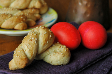 easter_koulouria_red_eggs.jpg