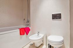 PE - Suite 3 - IS.Bathroom - Foto 2.JPG