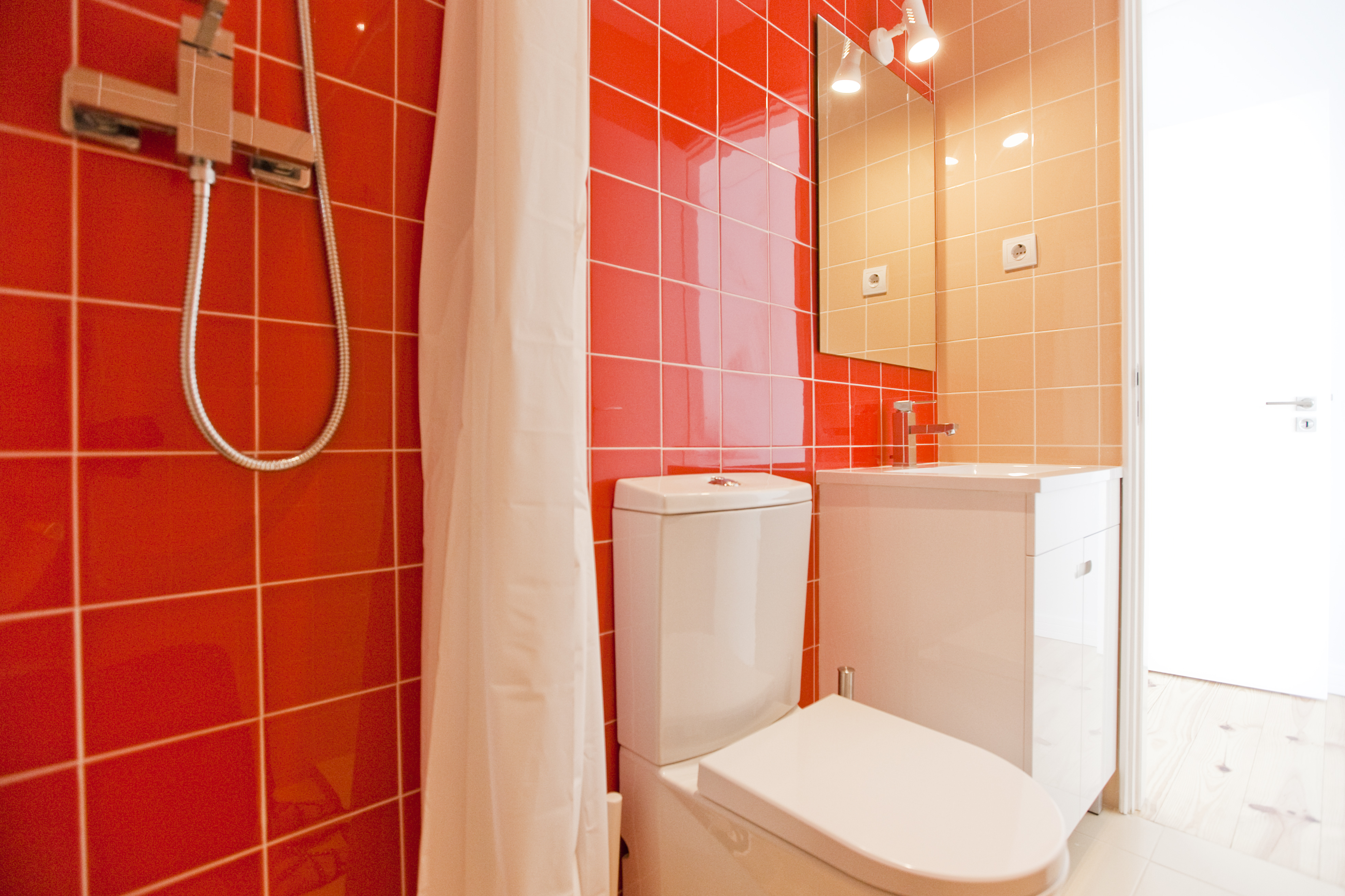 TE - Suite 4 - IS.Bathroom - Foto 1.JPG