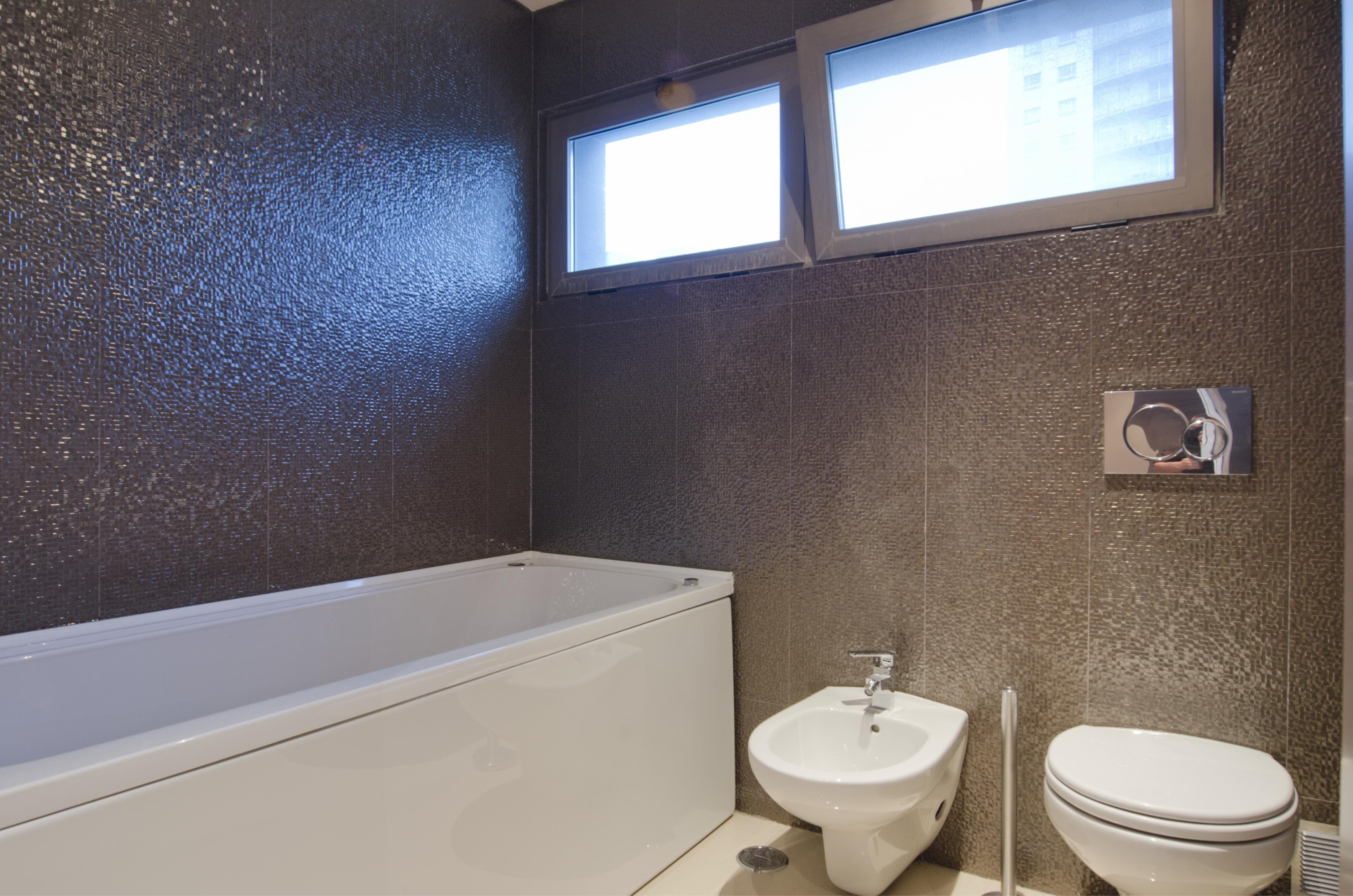 PE - Suite 6 - Foto 9_ - IS.Bathroom.JPG