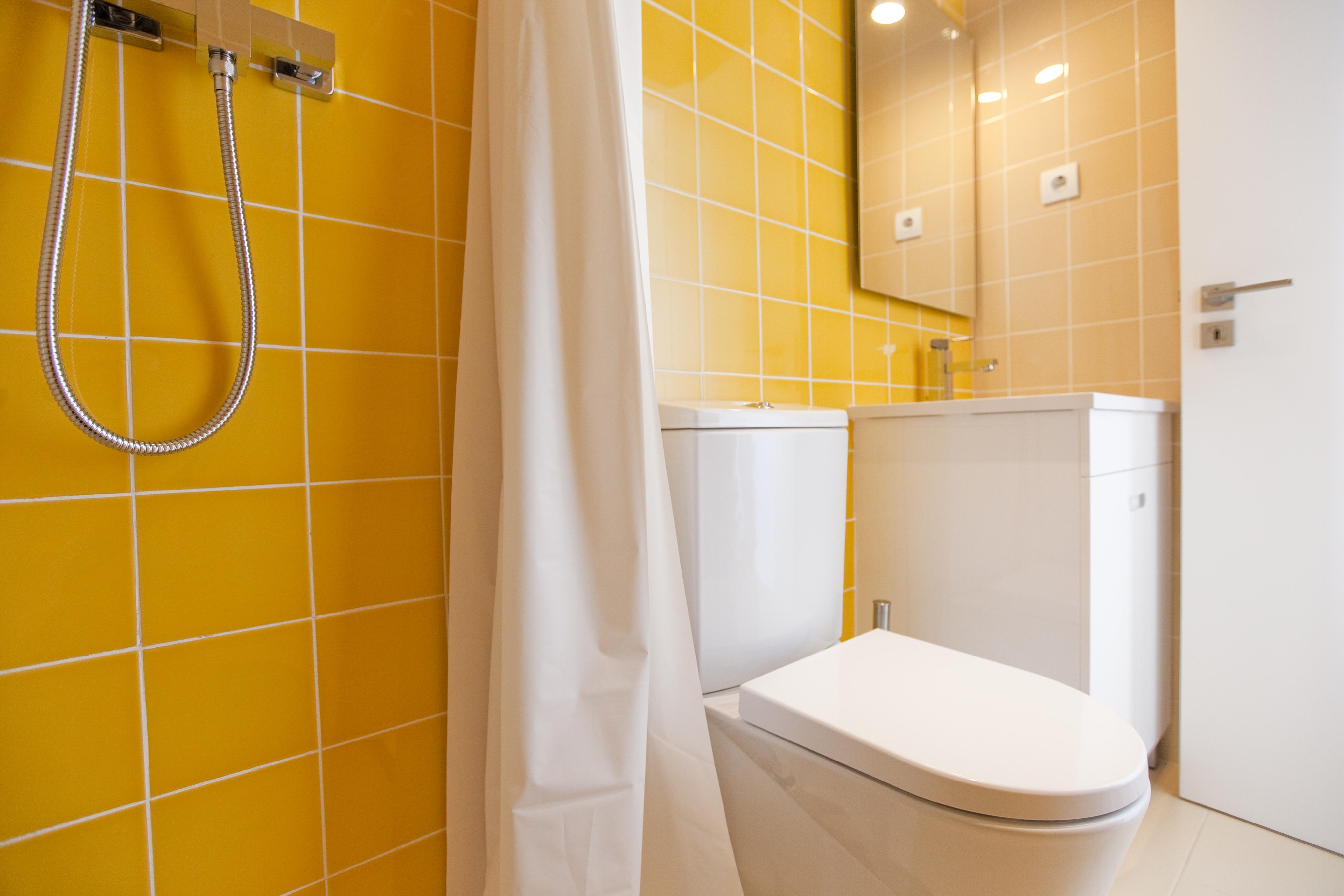TE - Suite 5 - IS.Bathroom - Foto 1.JPG