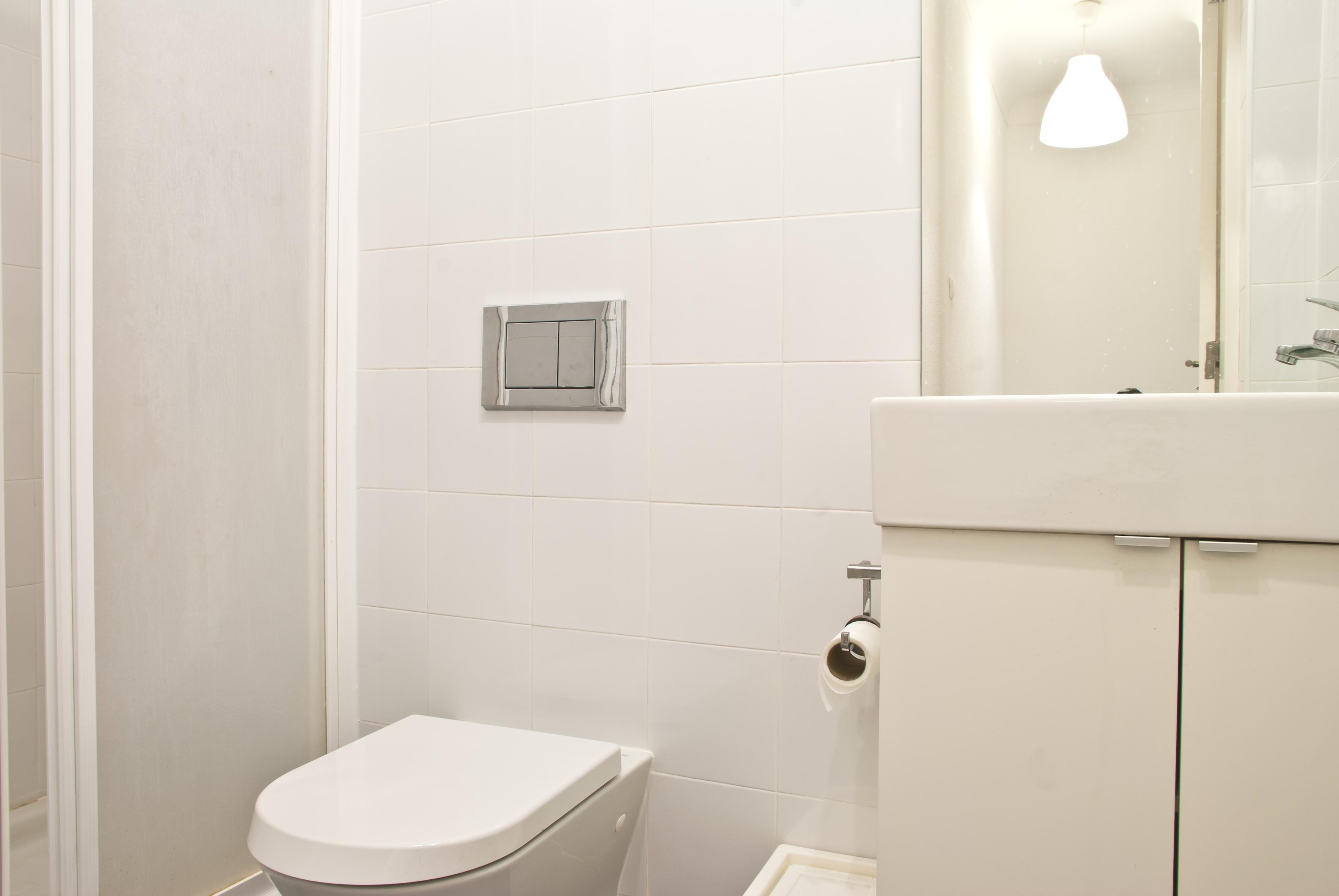 GJ - Bathroom nº2 - Quartos.Rooms nº1, 5, 6 - Foto 2.jpg
