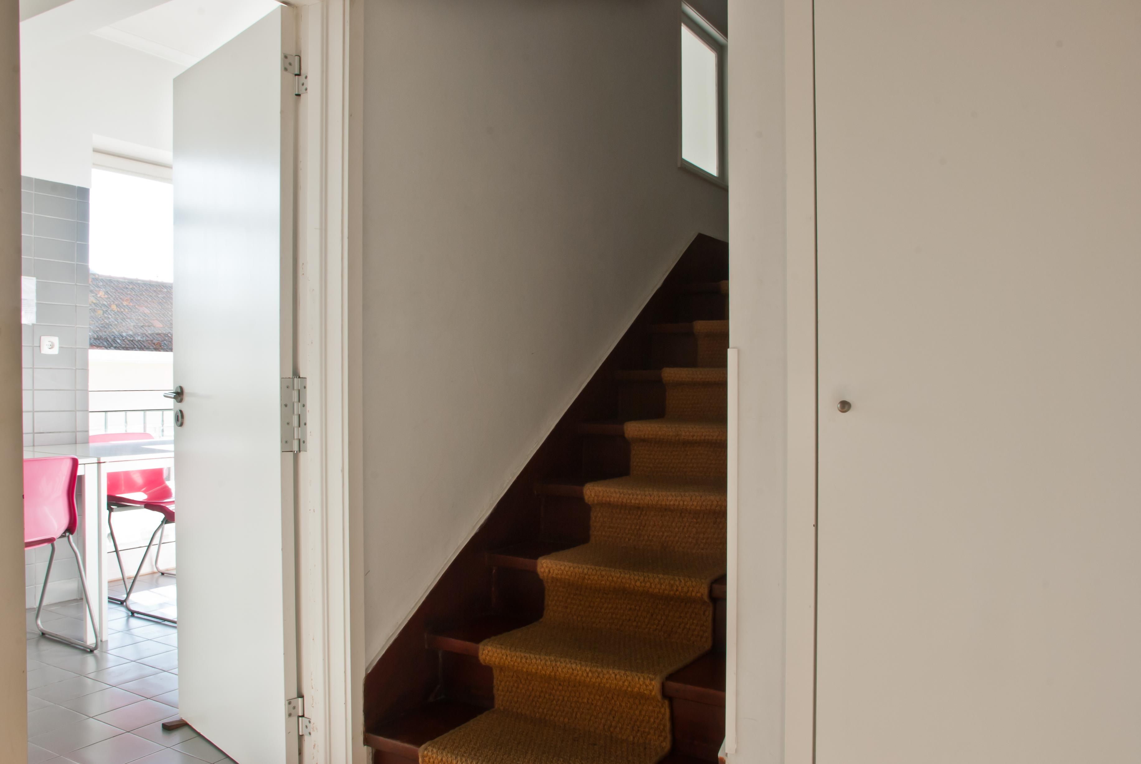 AB - Geral - Foto 1 - Acesso piso supeior.Acces floor above.jpg