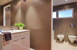 PE - Suite 6 - Foto 9 - IS.Bathroom.JPG