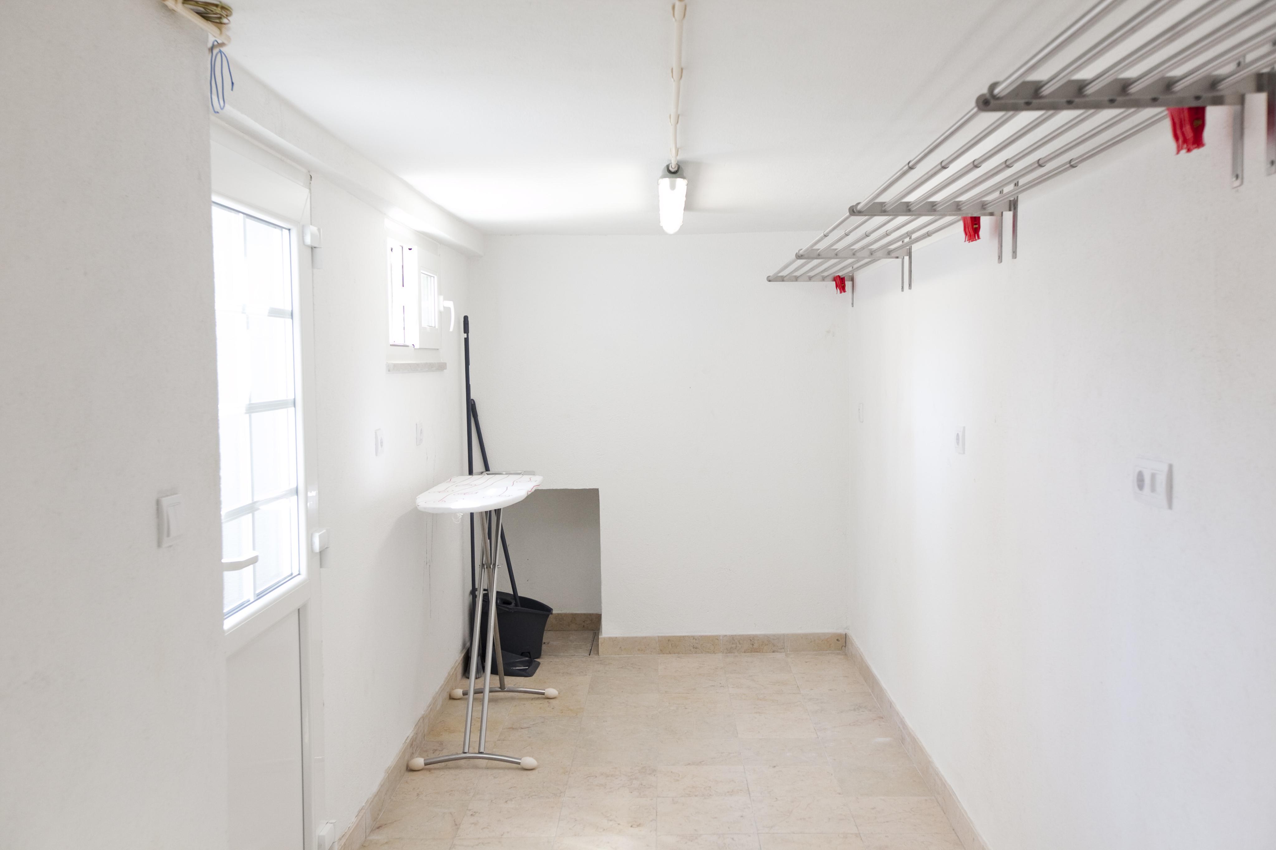 TE - Lavandaria.Laundry Area - Foto 2.JPG
