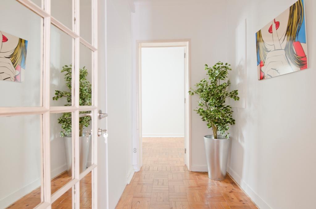 BE_-_Acesso_a_Quarto_nº8.Access_to_Room_nº8.JPG