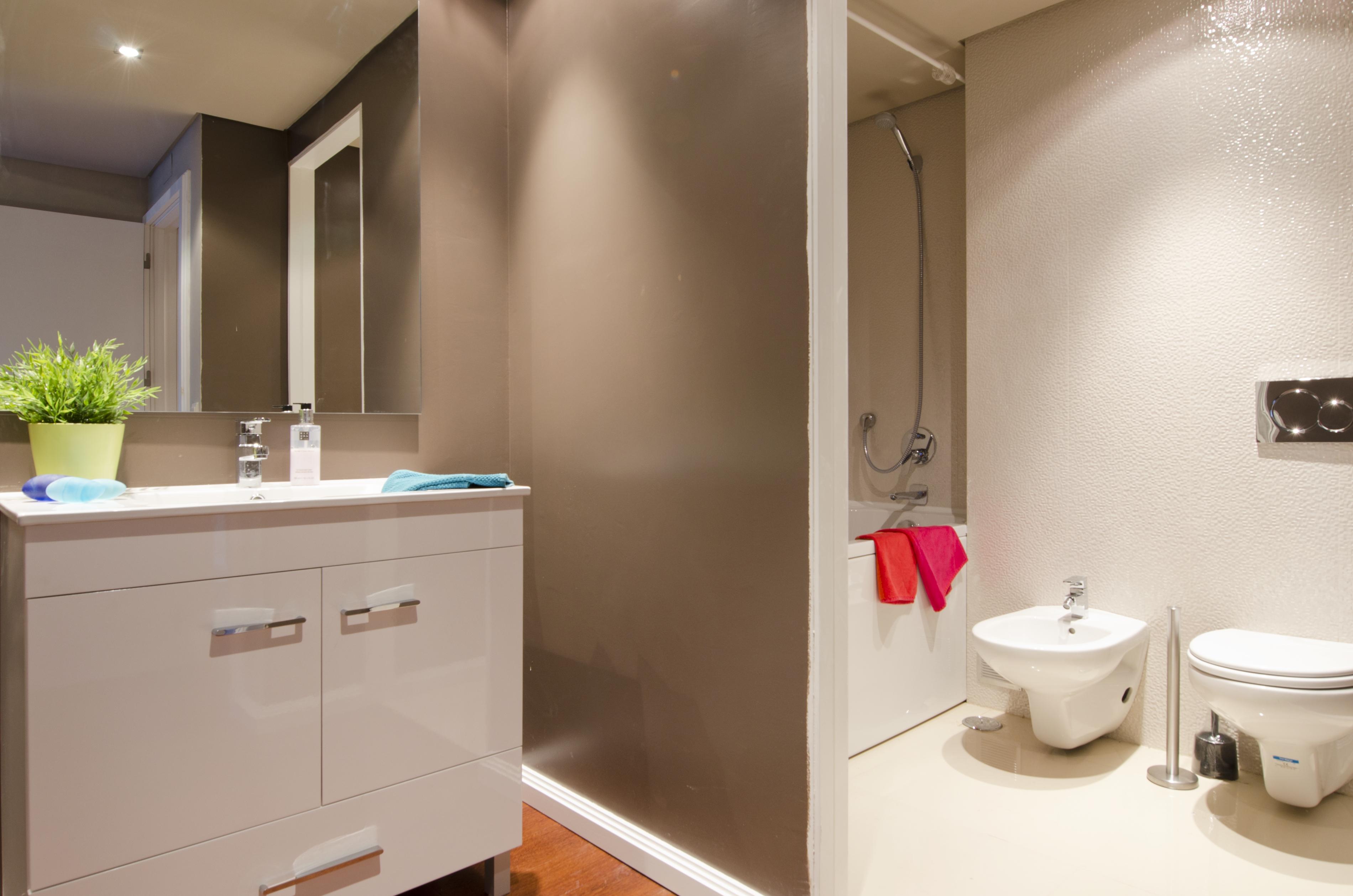 PE - Suite 3 - IS.Bathroom - Foto 1.JPG