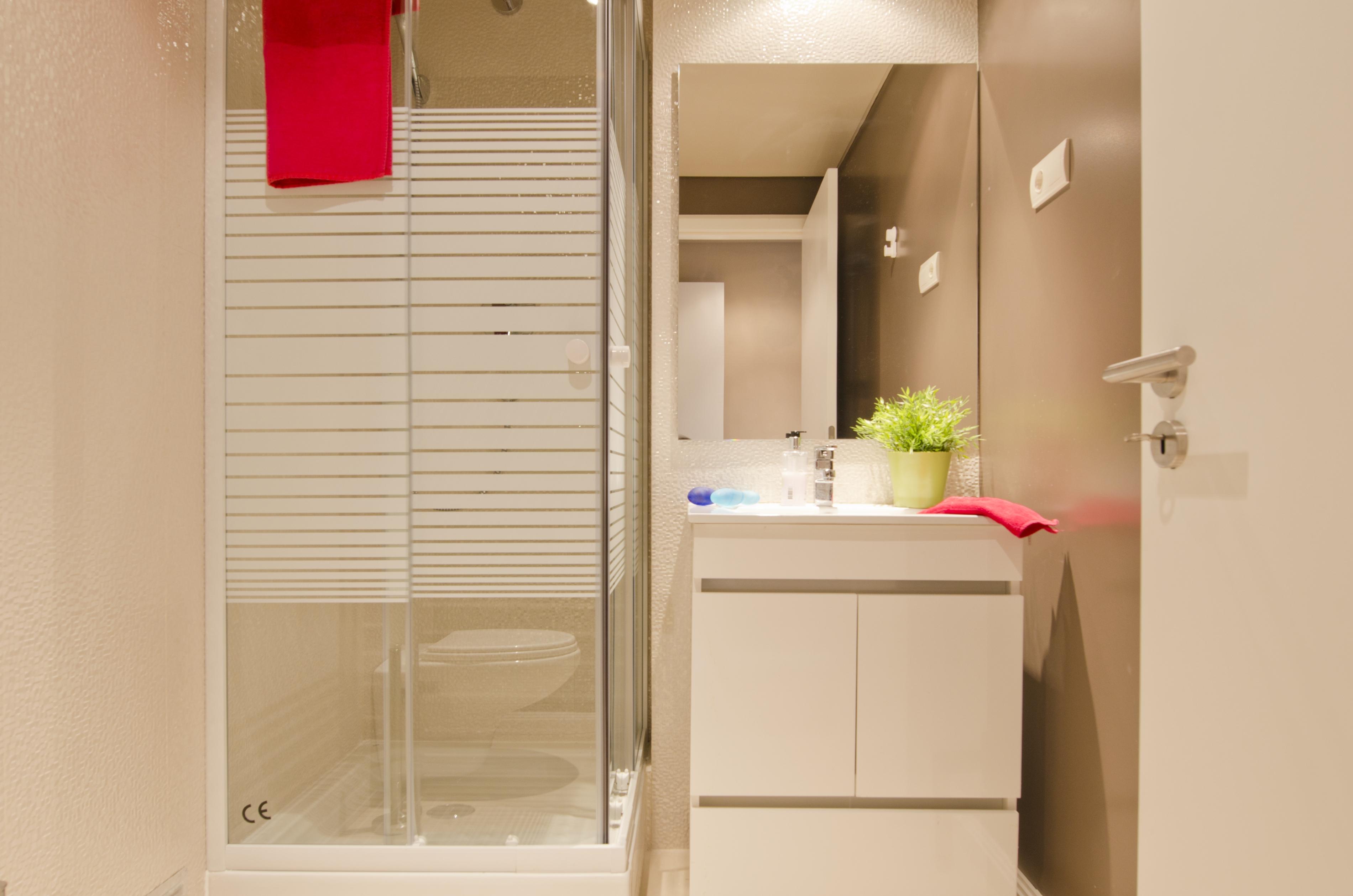 PE - Suite 4 - IS.Bathroom - Foto 9.JPG