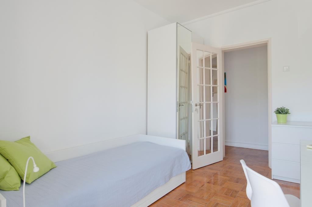 BE_-_Quarto.Room_nº4_-_Foto_2.JPG