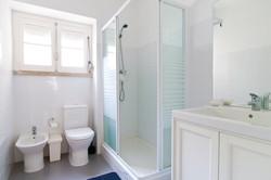 GJ - Bathroom nº1 - Quartos.Rooms nº2,3, 4 - Foto 1.jpg