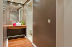 PE - Suite 1 - IS.Bathroom - Foto 1.JPG
