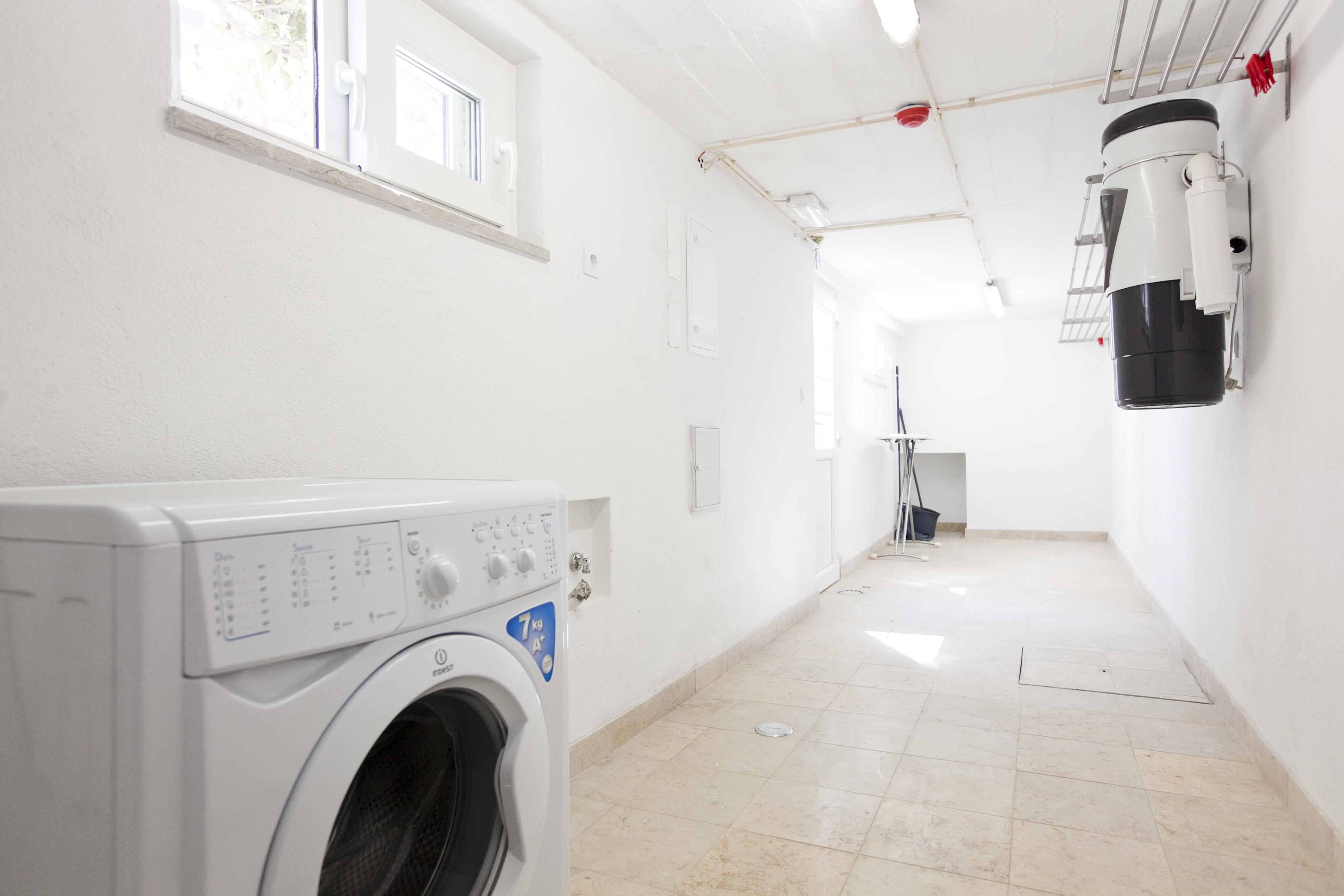 TE - Lavandaria.Laundry Area - Foto 1.JPG