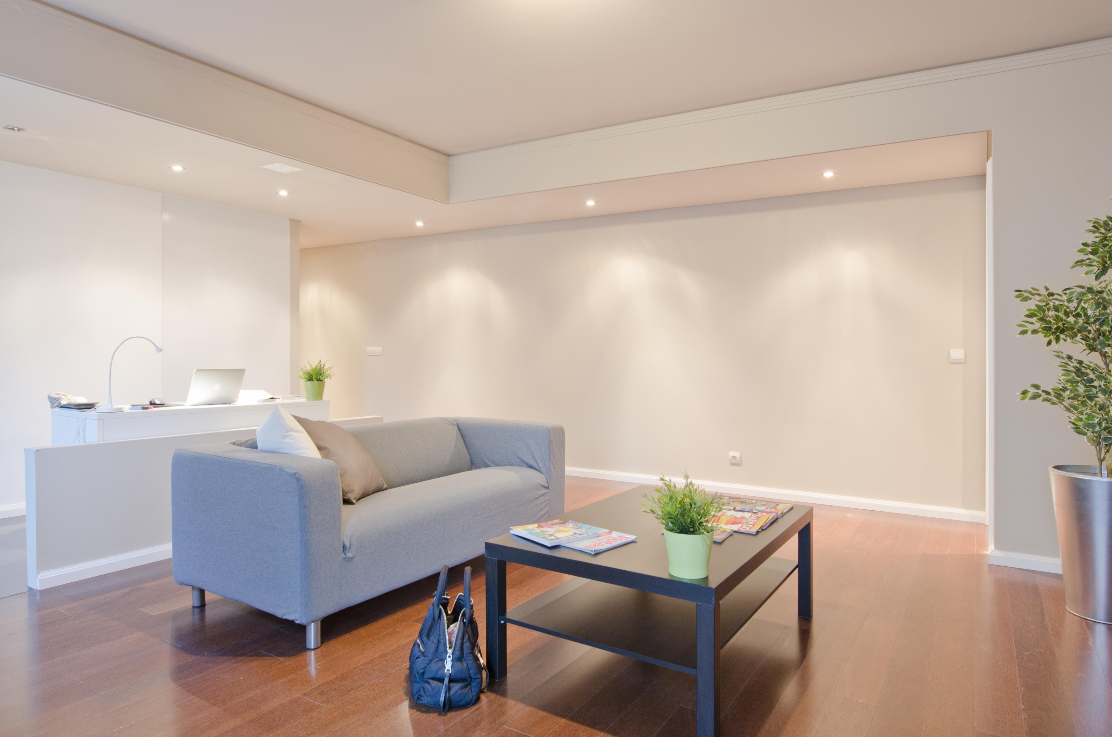 PE - Suite 6 - Foto 2 - Living.JPG