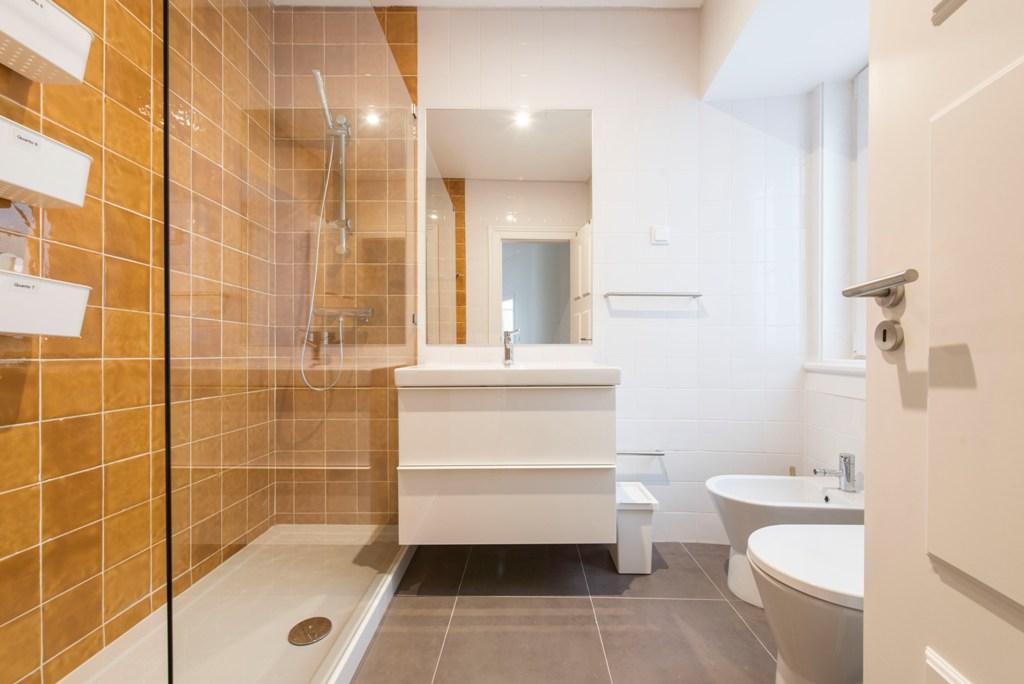 - SA - Casa de Banho. Bathroom - Q5, 6, 7 - Foto 1.jpg