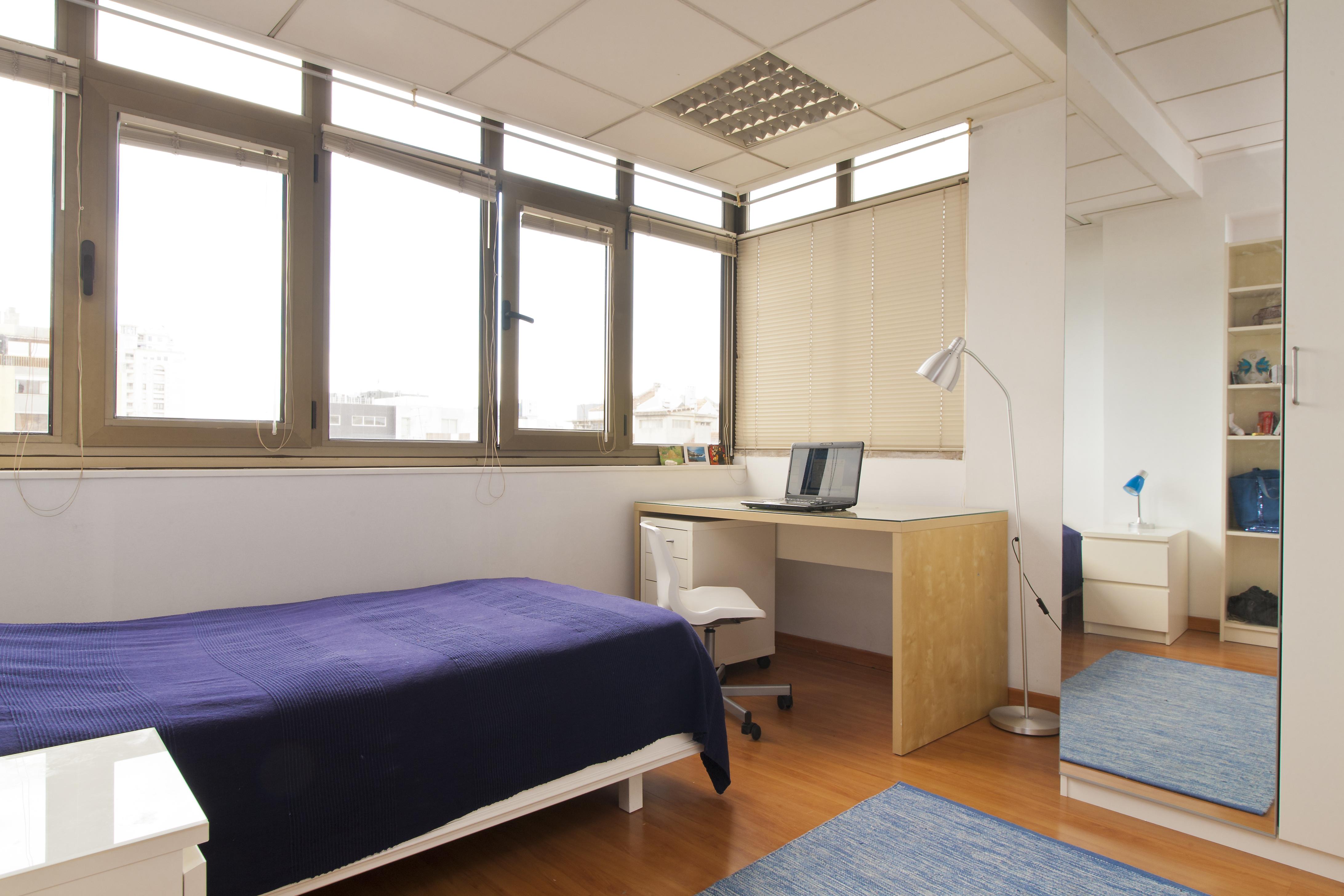 AR_-_Quarto.Room_nº8_-_Foto_2.jpg