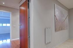 PE - Geral - Foto 5 - Corredor a lavandaria.Corridor to Laundry.JPG