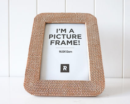 AC595m - Photo Frame - Squiggle Natural
