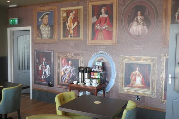 Royal Wallpaper.