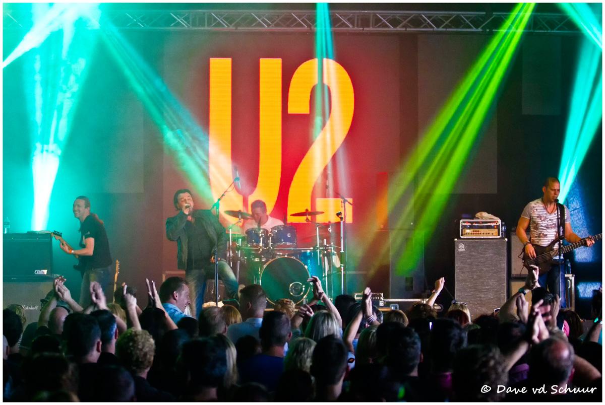 U2_Out_of_Control_02.jpg