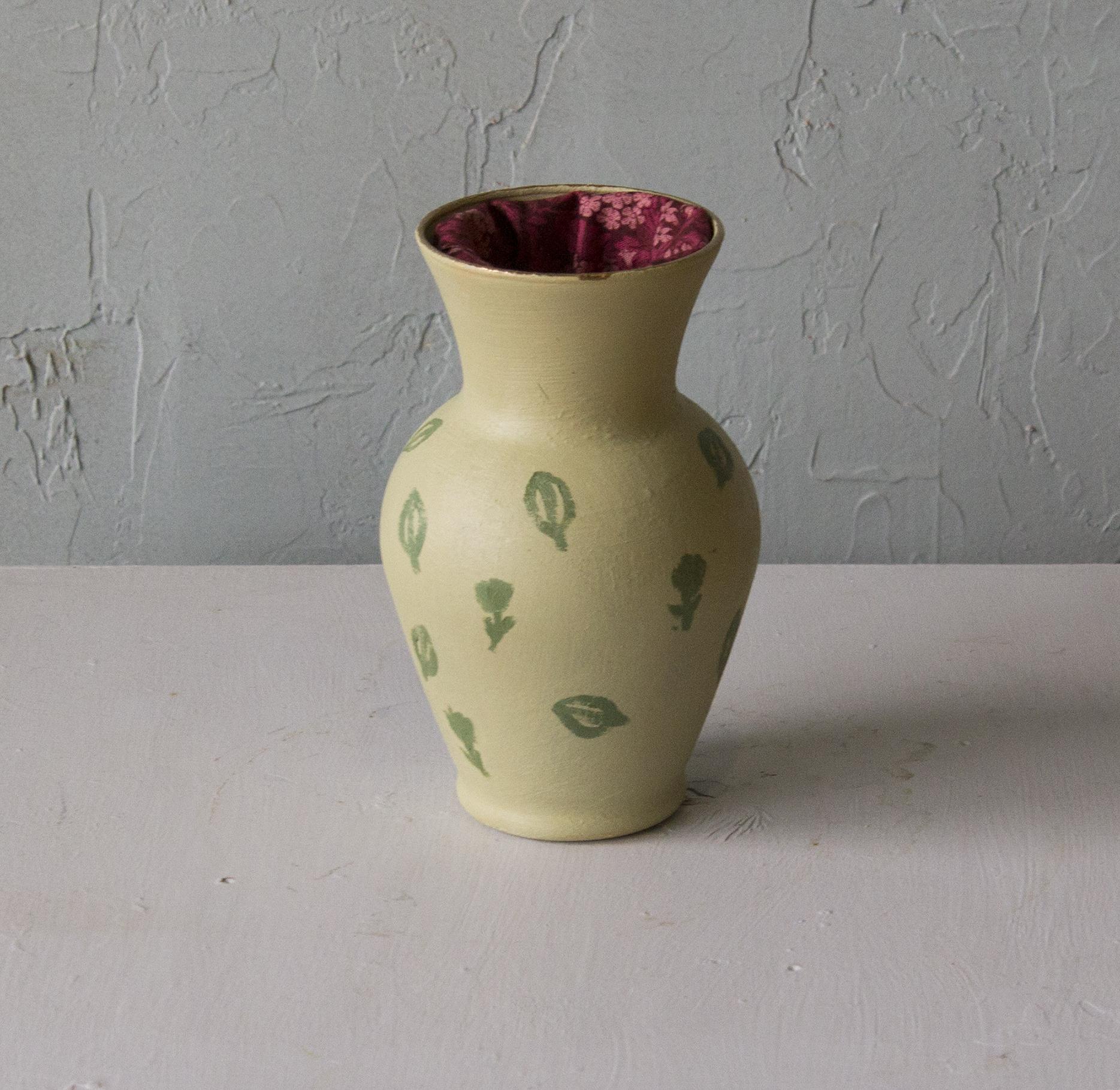 Vase II