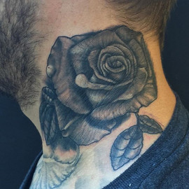 Did this sweet black and grey rose on th