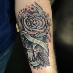 Did this sweet memorial rose the other d