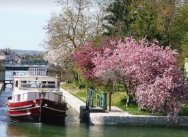 Canal du Nivernais 2011.png