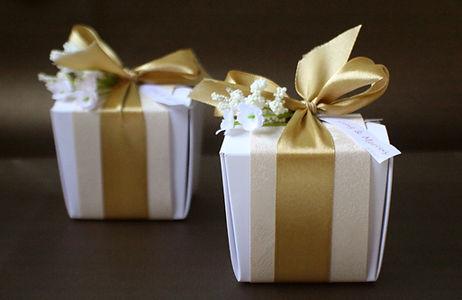 gold theme wedding favors