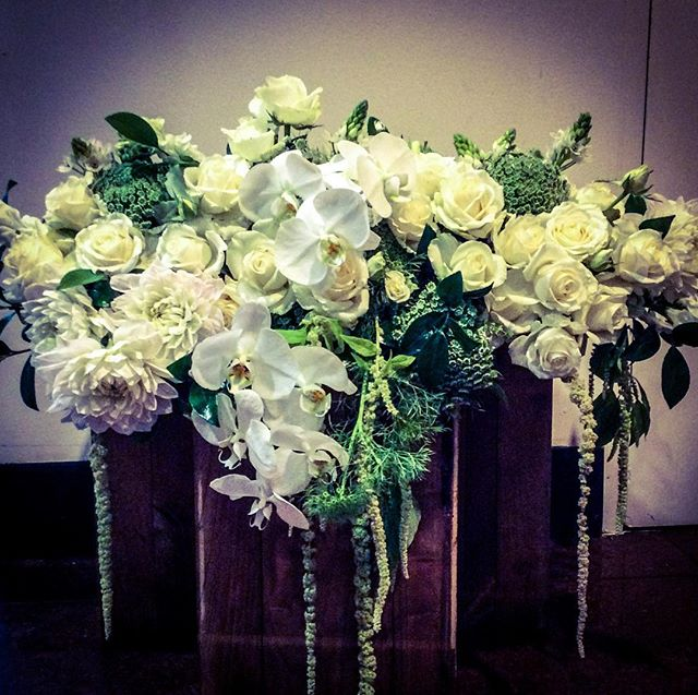 Dreamy bridal table flowers #localflorist #canberraflorist #canberra #wedding #events #rydgescapital