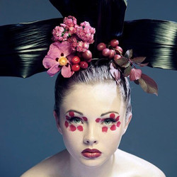 Photography by Lam Tran Flowers by Dave & Adi Watters