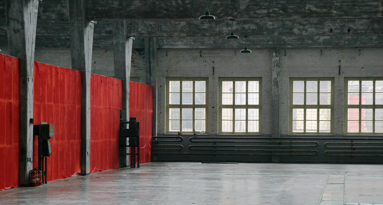 Launcelott-Red-Wall_June'08