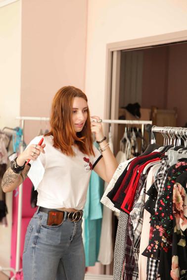 Gwen influenceuse pour la maisonrose videdressing