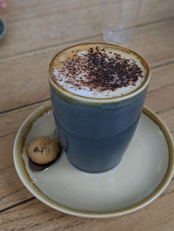 Capuccino with cookie