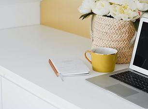 yellow-mug-besides-laptop-2967810.jpg
