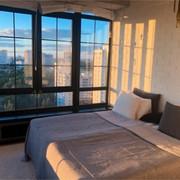 hotelroom-min.jpg