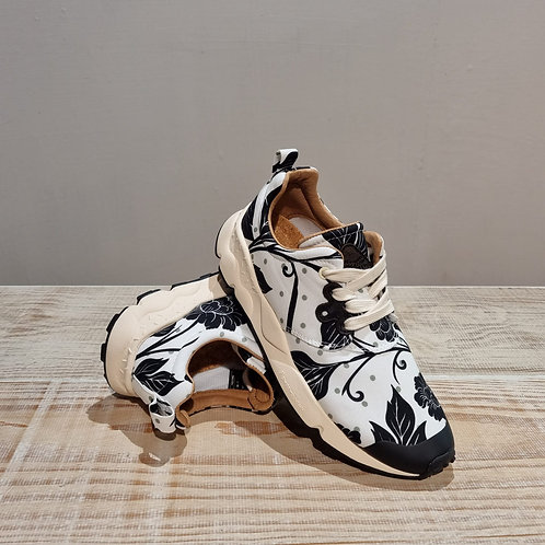 "Sneaker ""Pampas flower"""